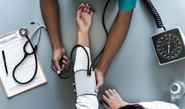 Problemas que encuentran los hispánicos para obtener salud